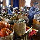 ap081206040156_farmers_market.jpg
