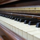 old_piano.jpg
