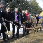psych_hospital_groundbreaking_010813_toby_ap874174254156.jpg