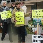 striking_teachers_bennington_elem_sk_101911.jpg
